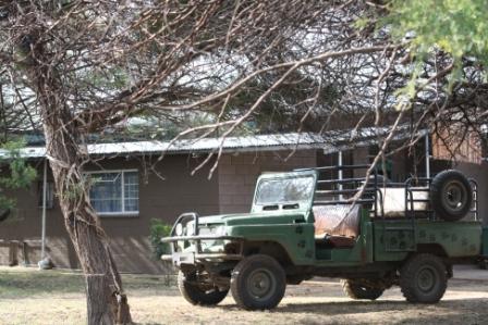 boskamp en voertuig